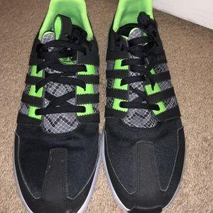 Adidas SL loop size 9.5